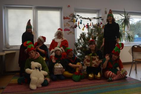 Na zdjęciu znajdują się dzieci elfy