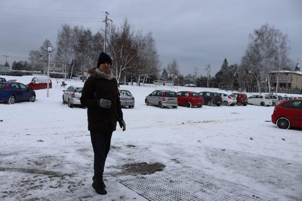 dzieci na śniegu